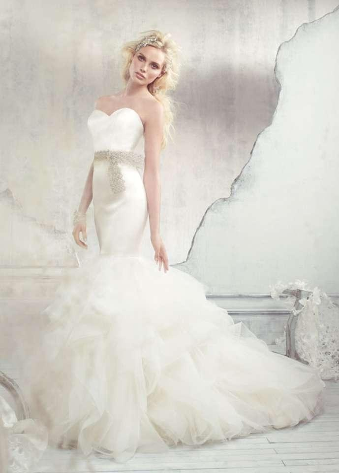 wedding dresses columbia sc alvina valenta 9307 wedding dress tradesy 9307
