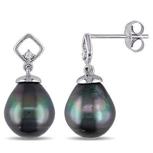 Amour Amour 10k White Gold Tahitian Pearl And Diamond Earrings 8-8.5 Mm
