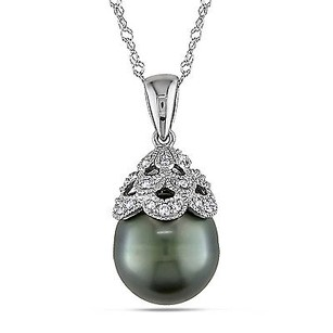 Amour Amour 10k White Gold Tahitian Pearl And Diamond Pendant Necklace 17