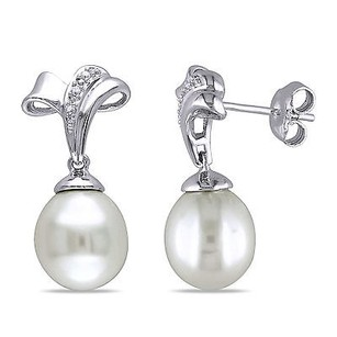 Amour Sterling Silver 9-10 Mm Freshwater Pearl And Diamond Accent Earrings