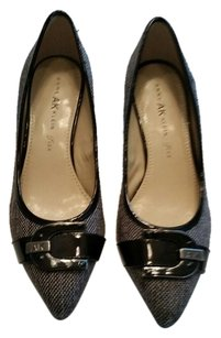 Anne Klein black tweed Pumps