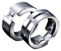 B. Tiff Stainless Steel Ring Straight Double Slit Princess/Round Signity Star