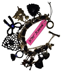 Betsey Johnson Betsey Johnson Charm Bracelet