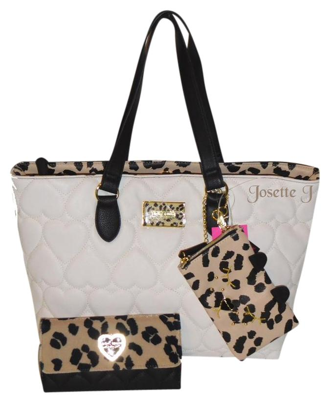 Betsey Johnson Quilted Heart Animal Print Cell Case