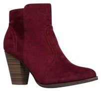 Breckelle's Red Boots