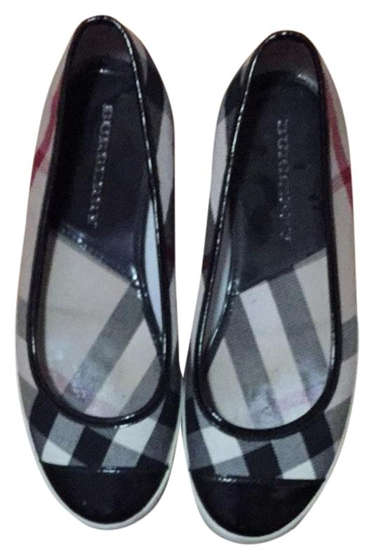 Burberry Signature Plaid Flats Size B) US 8 Regular (M, B) Size 3f4c56