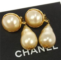 Chanel AUTHENTIC CHANEL VINTAGE CC LOGOS IMITATION PEARL EARRINGS CLIP-ON 93A RK07343