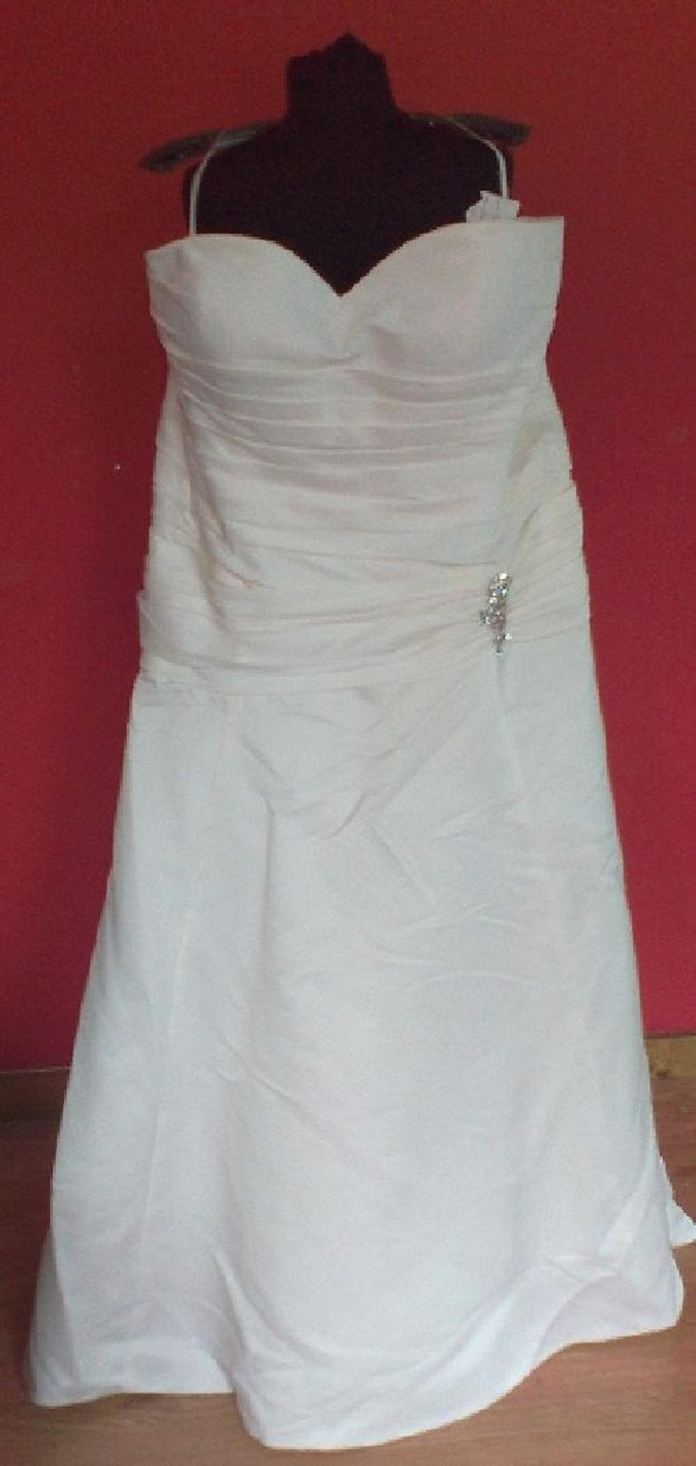 dress for the wedding carrafina ivory style 3693 ivory plus gowns 44l m 3693