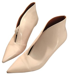 Cline white Pumps