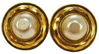 Chanel Auth CHANEL Vintage CC Logos Imitation Pearl Earrings Clip-On France LP09266