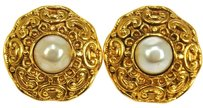 Chanel AUTHENTIC CHANEL VINTAGE CC LOGOS IMITATION PEARL EARRINGS CLIP-ON FRANCE K05596