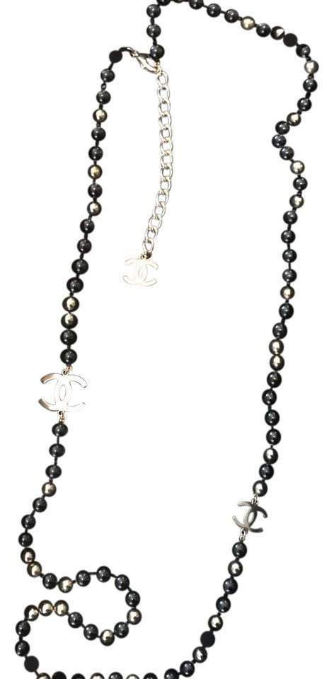 Chanel Black and Gold Costume Bead Necklace Tradesy