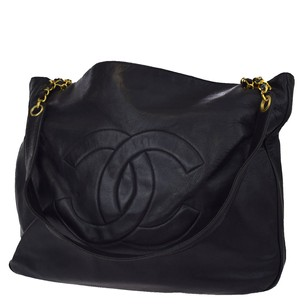 Chanel Chain Leather Tote in Black
