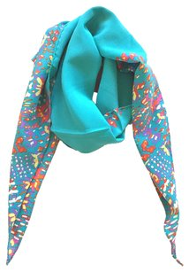 Chanel Chanel 100% Silk Sciarpe abstract pointed Scarf