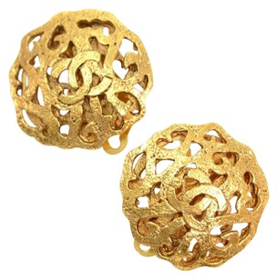 Chanel Chanel Gold Tone CC Logo Round Earrings