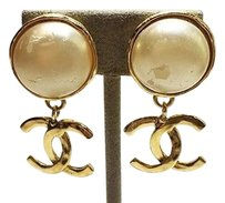 Chanel Chanel Pearl Yellow Gold Electroplate Earrings 22.08g Max064989