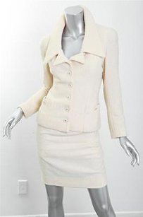 Chanel Chanel Vintage Ivory Boucle Gold Cc Buttons Classic Skirt Jacket Blazer Suit