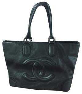 Chanel Jumbo Xl Leather Tote in Black