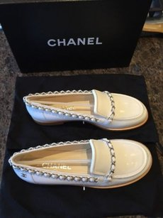Chanel Classic Chain Leather Loafer Mocassin White Flats