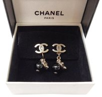 Chanel Rise-on CHANEL Silver Plated CC Logos Rhinestone Acorn Earrings
