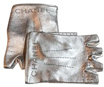Chanel runway collection 2016 fingerless gloves silver metal gun sz 8