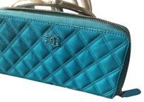 Chanel Wallet Patent Leather Wristlet in Blue