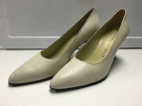 Charles Jourdan Leather Ivory Pumps