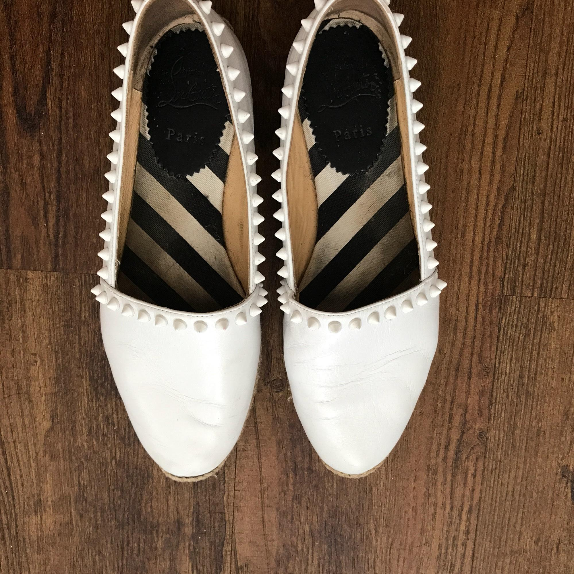 christian louboutin Blanc  ares flats taille nous 7,5 n) étroites (aa, n) 7,5 1870be