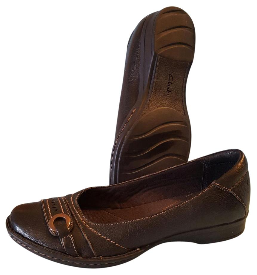 Shop Clarks at Shoe Carnival! Find great deals on Clarks shoes in Shoe Carnival stores and online!