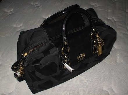Coach Dooney Gucci Chanel Vintage Rare Tote in Black