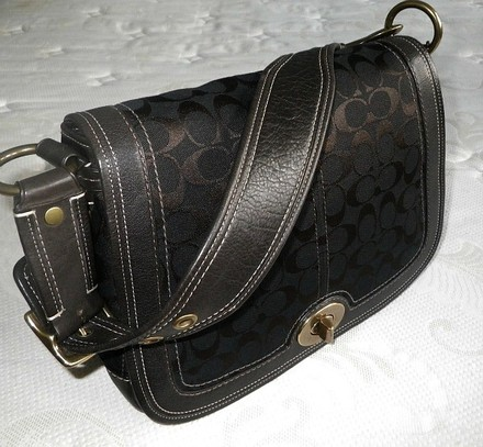 Coach Louis Vuitton Dooney Bourke Chanel Vintage Shoulder Bag