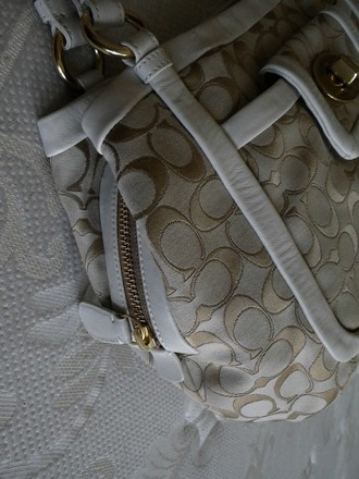 Coach Louis Vuitton Dooney & Bourke Gucci Rare Satchel in Beiges