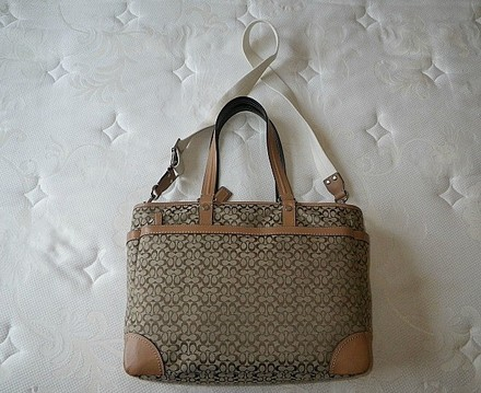 Coach Louis Vuitton Dooney Bourke Gucci Channel Rare Vintage Tote in Beiges