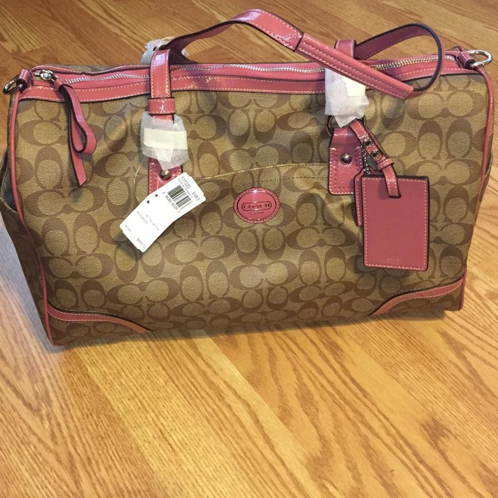 14a176b0b453 ... discount code for coach signature khaki pink travel bag 207c8 10510