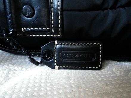 Coach Louis Vuitton Dooney Bourke Gucci Channel Vintage Rare Black Messenger Bag
