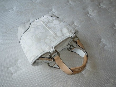 Coach Louis Vuitton Dooney Bourke Gucci Rare Satchel in White, Tan
