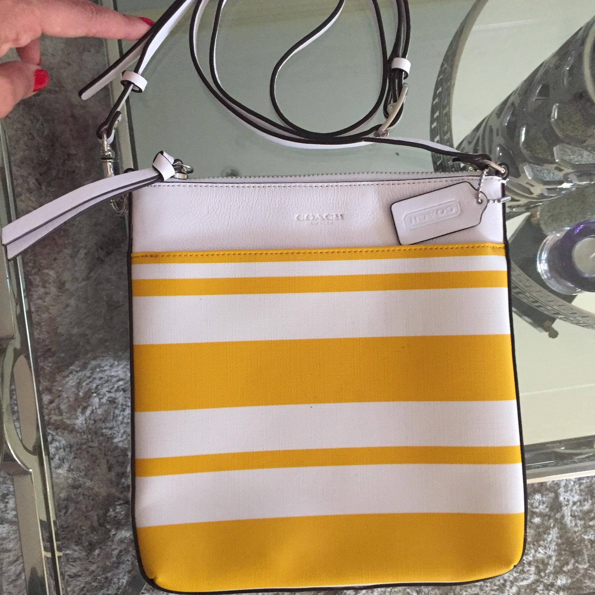 5778a8a5e5 ... australia coach white yellow leather cross body bag tradesy f9ad8 1c673