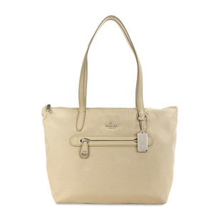 Coach Women's 35500-sv/p7 Tote in Beige