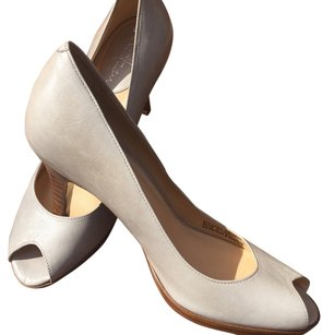 Cole Haan Grey/Gray Taupe Pumps