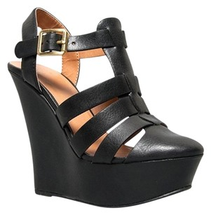 Delicious Black Wedges