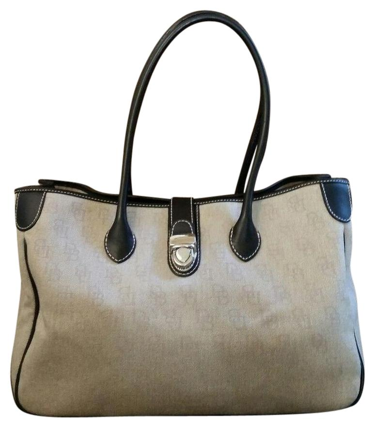 Dooney & Bourke on Sale - Up to 80% off at Tradesy