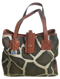 Dooney & Bourke And Giraffe Print Animal Print Tote in Brown