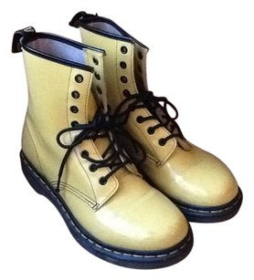 Dr. Martens Doc Patent Leather Style Shopmycloset Ankle Vintage Combatboos Engineer Biker Fashionaddict Fashionista Inselly Mens Yellow Boots