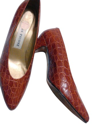 Preload https://item5.tradesy.com/images/evan-picone-pumps-size-us-10-1644024-0-0.jpg?width=440&height=440