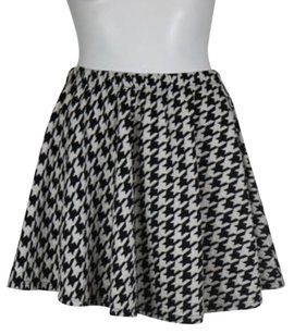 Everly Womens Houndstooth Casual Above Knee Stretchy Skirt Black