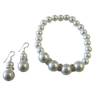 Alluring Gift White Pearl Stretchable Bracelet Earrings Set