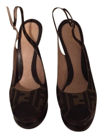 8a51903013e1 Fendi Brown Sandals Size Size Size US 8 Regular (M