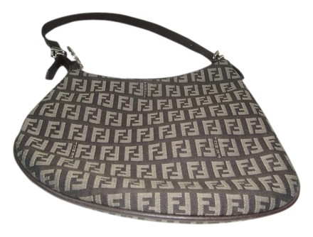 Preload https://item5.tradesy.com/images/fendi-oyster-brown-canvas-shoulder-bag-920089-0-0.jpg?width=440&height=440