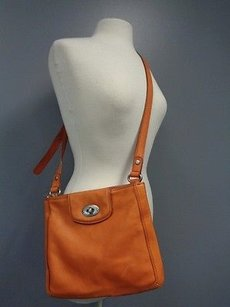 Fossil Adjustable Strap Metal Hardware B3189 Cross Body Bag