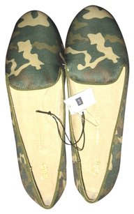 Gap Camouflage Travel Green Flats